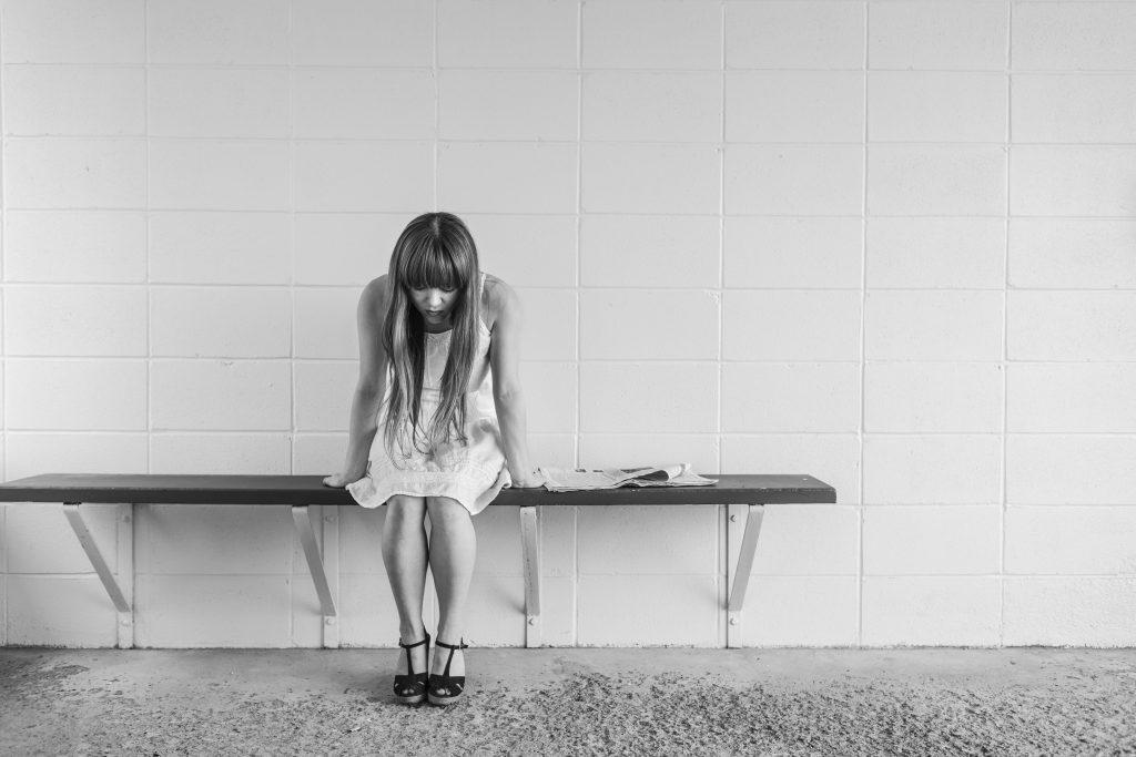 worried-girl-413690
